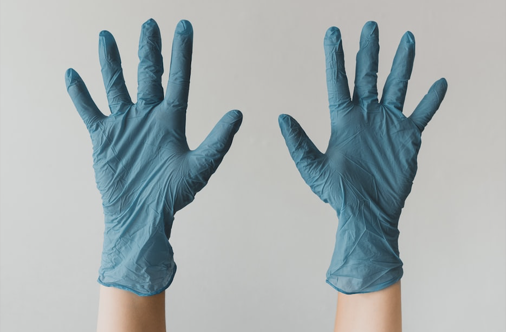 Soft nitrile powder free gloves for PPE, disposable nitrile gloves.